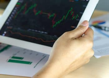 Hedging vs. Netting in Forex: What's the Difference?